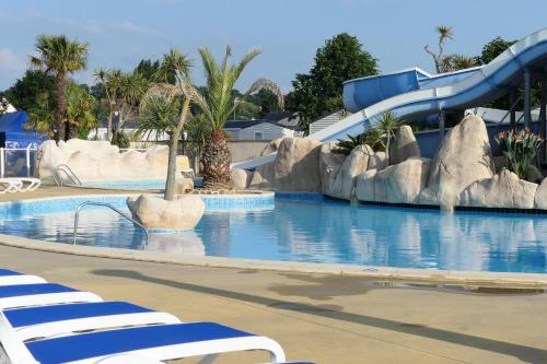 Photo Mobil-Home Camping 5* piscine a 500 m de la mer
