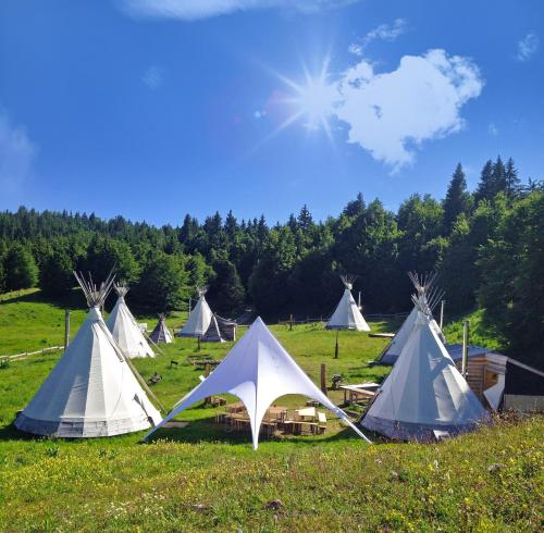 Photo Village Tipi