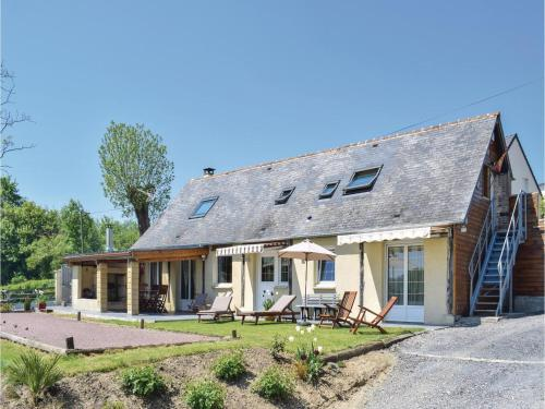 Holiday home Bavent with a Fireplace 410 : Hebergement proche de Saint-Pair