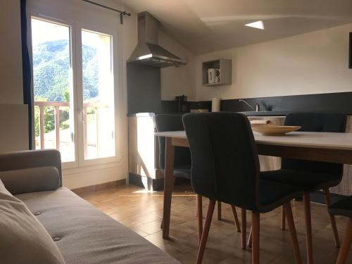 Lavande : Appartement proche de Collongues