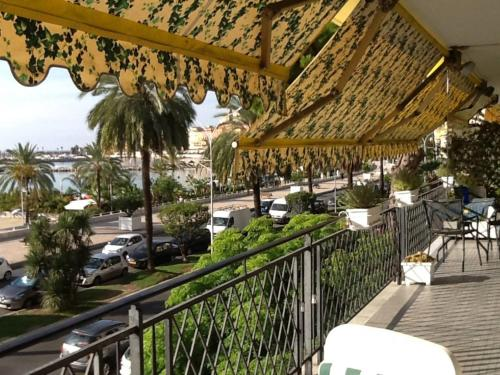Appartement Menton on the beach, seaview