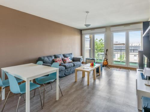Welkeys - Boulevard Voltaire Apartment : Appartement proche de Longvic