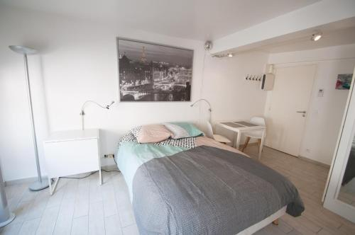 studio centre fontainebleau : Appartement proc