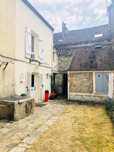 Penty Bellifontain : Appartement proche de Montcourt-Fromonville
