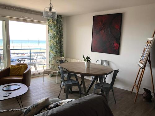 appartement face mer : Appartement proche de Beuvrequen