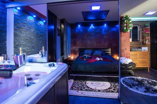 L'Insolite, Spa Privatif (Appartement Jacuzzi) : Appartement proche de Saint-Jean