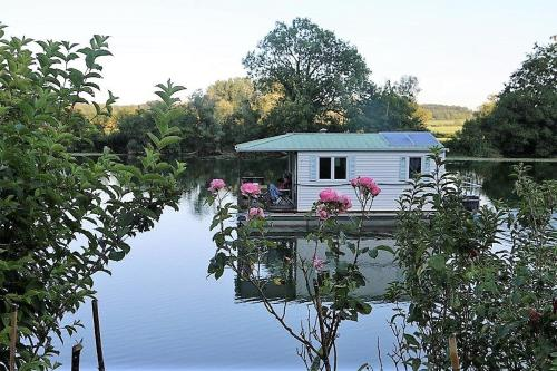 Cottage flottant : Hebergement proche de Chatelay