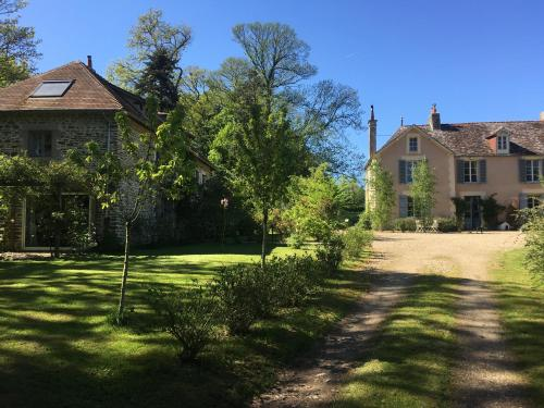 Le Manoir and Le Lodge : Hebergement proche d'Ouffières