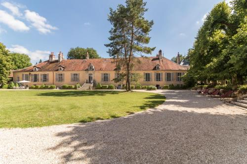 Chateau de Mauvilly : Chambres d'hotes/B&B proche d'Arbot