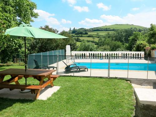 Ferienhaus mit Pool Epertully 100S : Hebergement proche de Nolay