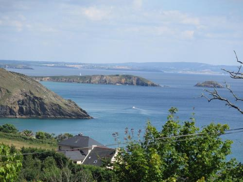 House for 8 people in Crozon with panoramic sea view : Hebergement proche de Crozon