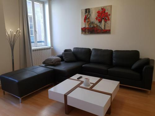 Grand appartement en centre ville : Appartement proche de Nouilly