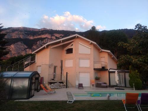 Chalet de TARA : Appartement proche de Ville-la-Grand
