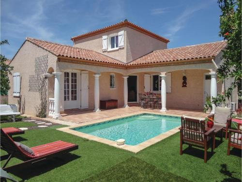 Three-Bedroom Holiday Home in Servian : Hebergement proche de Lieuran-lès-Béziers