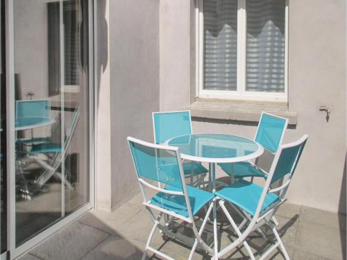 Three-Bedroom Apartment in Beziers : Appartement proche de Maraussan