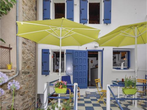 Three-Bedroom Holiday Home in Taurinya : Hebergement proche de Codalet