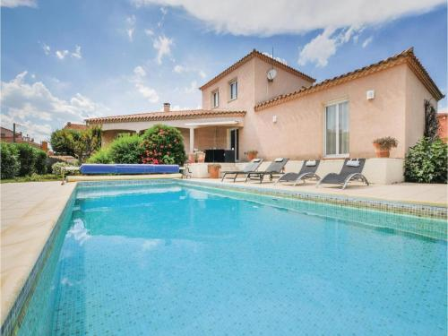 Four-Bedroom Holiday Home in Villelongue : Hebergement proche de Claira