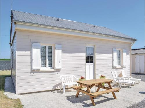 Holiday home Creances-Plage GH-1112 : Hebergement proche de Saint-Sébastien-de-Raids