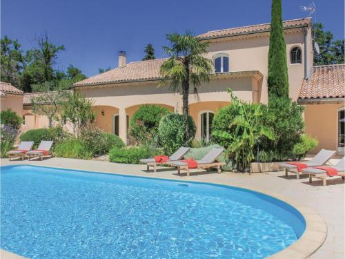 Five-Bedroom Holiday Home in Montelimar : Hebergement proche de Saint-Vincent-de-Barrès