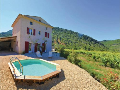 Four-Bedroom Holiday Home in Propiac Les Bains : Hebergement proche de Pierrelongue