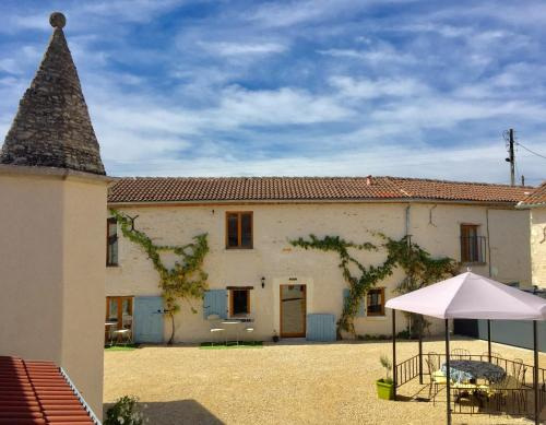 Boutique Farmhouse Cottages with Pool, 6 Bedrooms - Angulus Ridet (Loire Valley) : Hebergement proche de Mondion