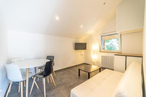 Saint Anne -T2 Duplex- Park - Wifi : Appartement proche de Choisy