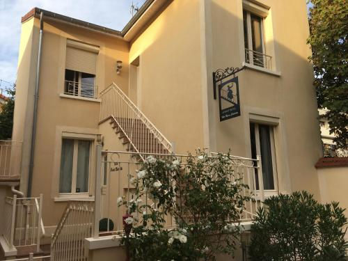 Villa Marie Charlotte : Appartement proche de La Celle-Saint-Cloud
