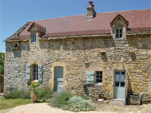 Two-Bedroom Holiday Home in Toulonjac : Hebergement proche de Compolibat