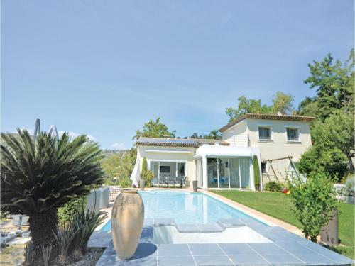 Photo Four-Bedroom Holiday Home in Biot