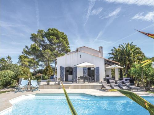 Hébergement Five-Bedroom Holiday Home in Valbonne