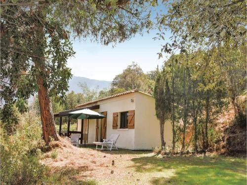 Two-Bedroom Holiday Home in Calcatoggio : Hebergement proche d'Appietto