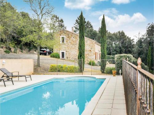 Three-Bedroom Holiday Home in Veraza : Hebergement proche de La Digne-d'Amont