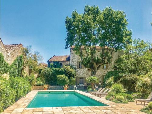 Holiday home Thezan les Corbieres 59 : Hebergement proche d'Albas