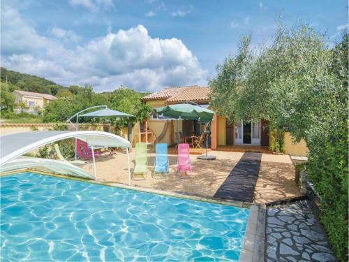 Five-Bedroom Holiday Home in St-Julien-les-Rosiers : Hebergement proche de Servas