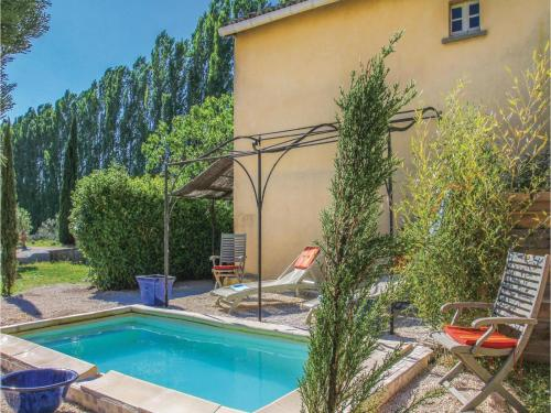 Two-Bedroom Holiday Home in Pont Sanit Esprit : Hebergement proche de Saint-Julien-de-Peyrolas