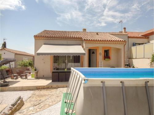 Three-Bedroom Holiday Home in Corneilhan : Hebergement proche de Maraussan