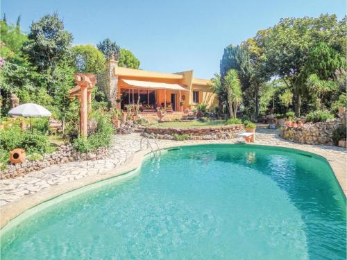 Hébergement Three-Bedroom Holiday Home in Beziers