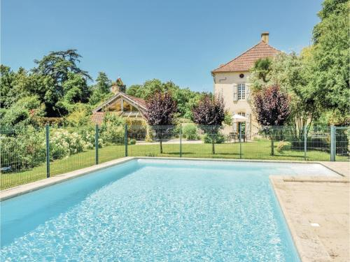 Four-Bedroom Holiday Home in Labatut Riviere : Hebergement proche de Lucarré