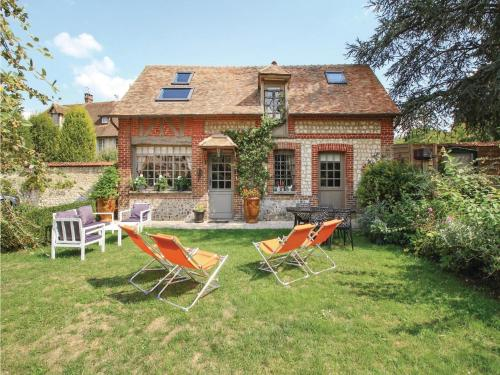 Two-Bedroom Holiday Home in Les Damps : Hebergement proche de Vandrimare