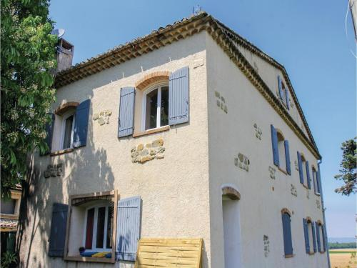 Two-Bedroom Apartment in La Begude de Mazenc : Appartement proche de Souspierre
