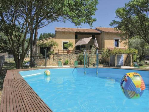 Four-Bedroom Holiday Home in St Paul Trois Chateaux : Hebergement proche de Les Granges-Gontardes