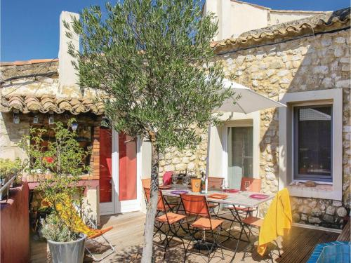 Four-Bedroom Holiday Home in La Garde Adhemar : Hebergement proche de Les Granges-Gontardes