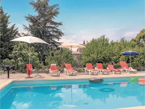 Holiday home La Bastide de Virac 26 with Outdoor Swimmingpool : Hebergement proche d'Orgnac-l'Aven