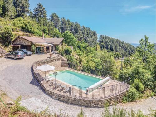 Three-Bedroom Holiday Home in Les Vans : Hebergement proche de Ponteils-et-Brésis