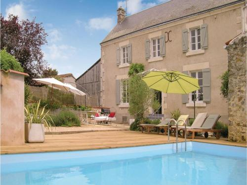 Studio Holiday Home in Sante Radegonde : Hebergement proche de Vouvant