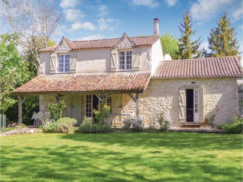 Holiday Home St Astier St Astier : Hebergement proche de Moustier