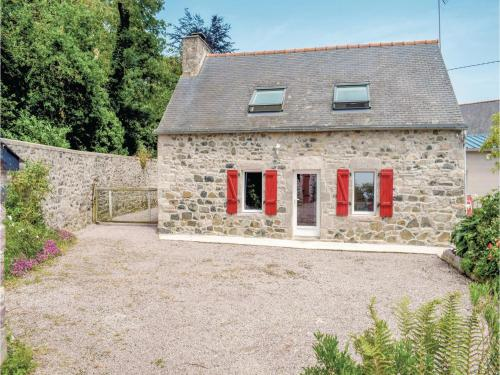 Three-Bedroom Holiday Home in Plevenon : Hebergement proche de Fréhel