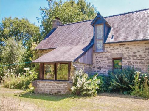 Two-Bedroom Holiday Home in Le Faouet : Hebergement proche de Guilligomarc'h