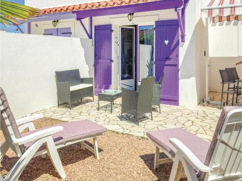 Two-Bedroom Holiday Home in Faute sur Mer : Hebergement proche de Curzon