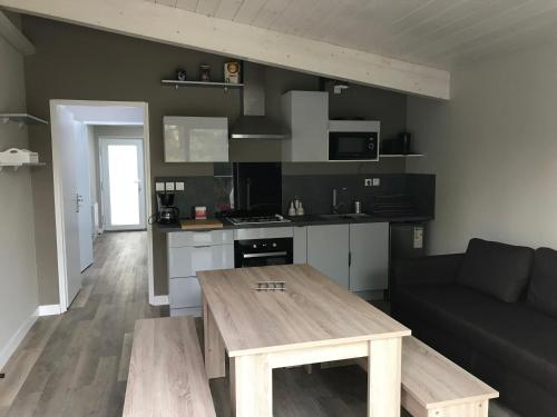Les Terrasses de La Malcombe : Appartement proche d'Avanne-Aveney